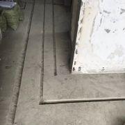 成都上海花园装修现场 水电改造开槽 贴砖细节图