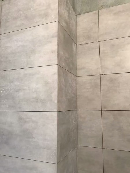 中德英伦联邦装修厨卫贴砖现场图