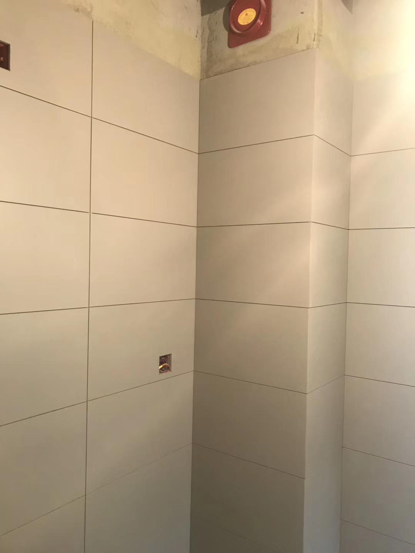 保利锦湖林语装修 成都装修队 厨卫贴砖