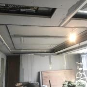 成都装修贴砖效果图 真实的装修队施工现场实拍