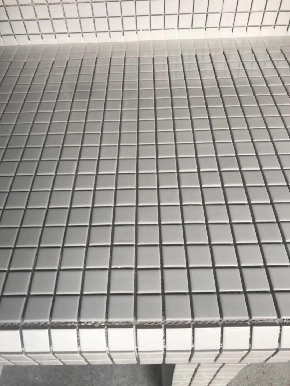 成都装修 水电改造开槽 贴砖细节图