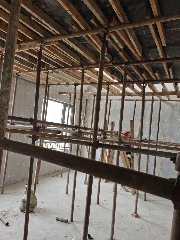 成都中南海棠集裝修施工現場(自己家與鄰居家)