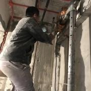 成都装修队施工现场图 水电改造图 贴砖现场图 防水施工图