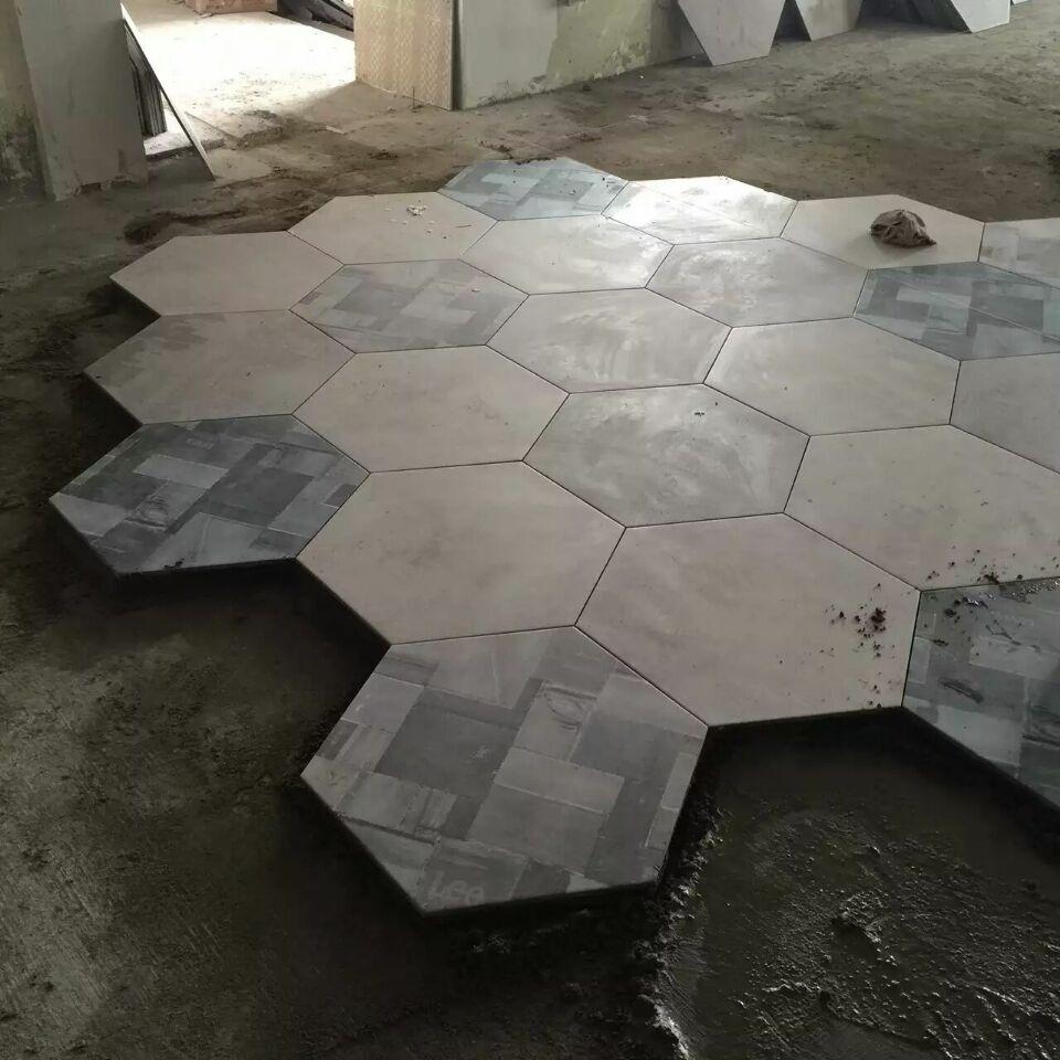 锐利领峰客厅装修贴砖现场施工图