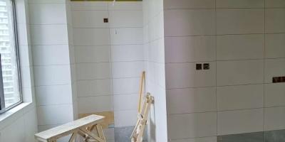 成都向陽名居水電改造,廚衛貼磚施工現場圖